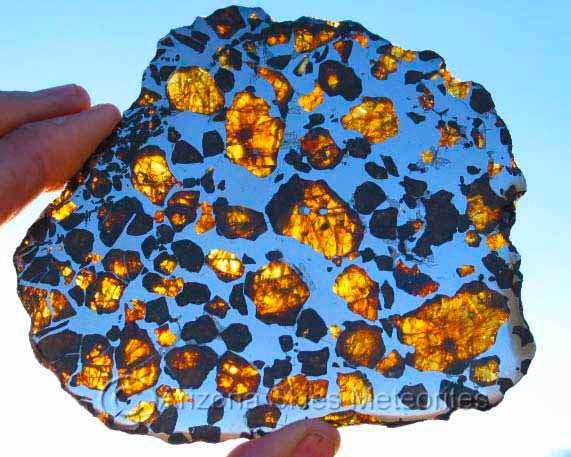 La météorite atterrit sur le toit de la maison de... la famille Comette Imilac