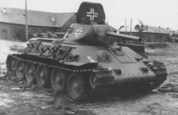 [Dossier Photo] : Le matériel de prise et les conversions ! T-34_early_04