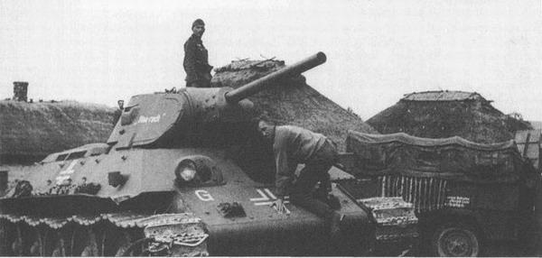 [Dossier Photo] : Le matériel de prise et les conversions ! T-34_early_05