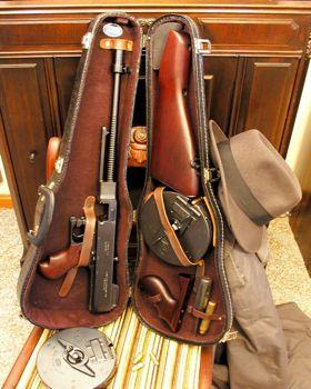 Création d'une Arme - Page 28 Thompson_1921_dans_etui_violon-2-fa198