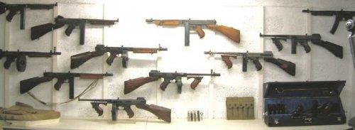L'U.E. fixe la neutralisation des armes à feu au 8 avril 2016 Thompson-4980b