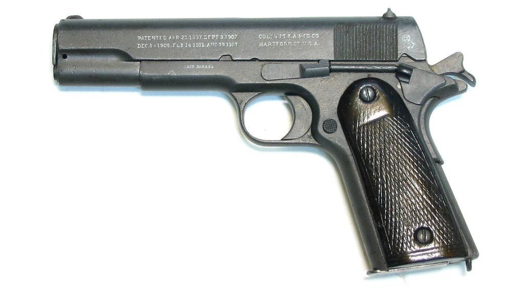Prix d'un .45 et d'un Garand M1 ? Colt_Russe2