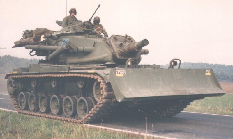 القوات المسلحة التونسية *شامل* M728_Armoured_Combat_Engineer_Vehicle_USA_05