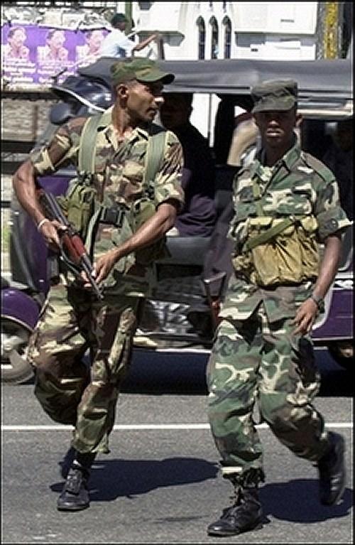 Camouflages du monde entier - Page 2 Soldier_uniform_Sri_lanka_25_news