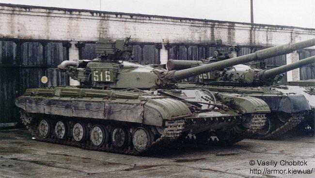 دبابات القتالية الروسية التي يمتلك بعضها الجيش العربي السوري  T-64_Russe_23