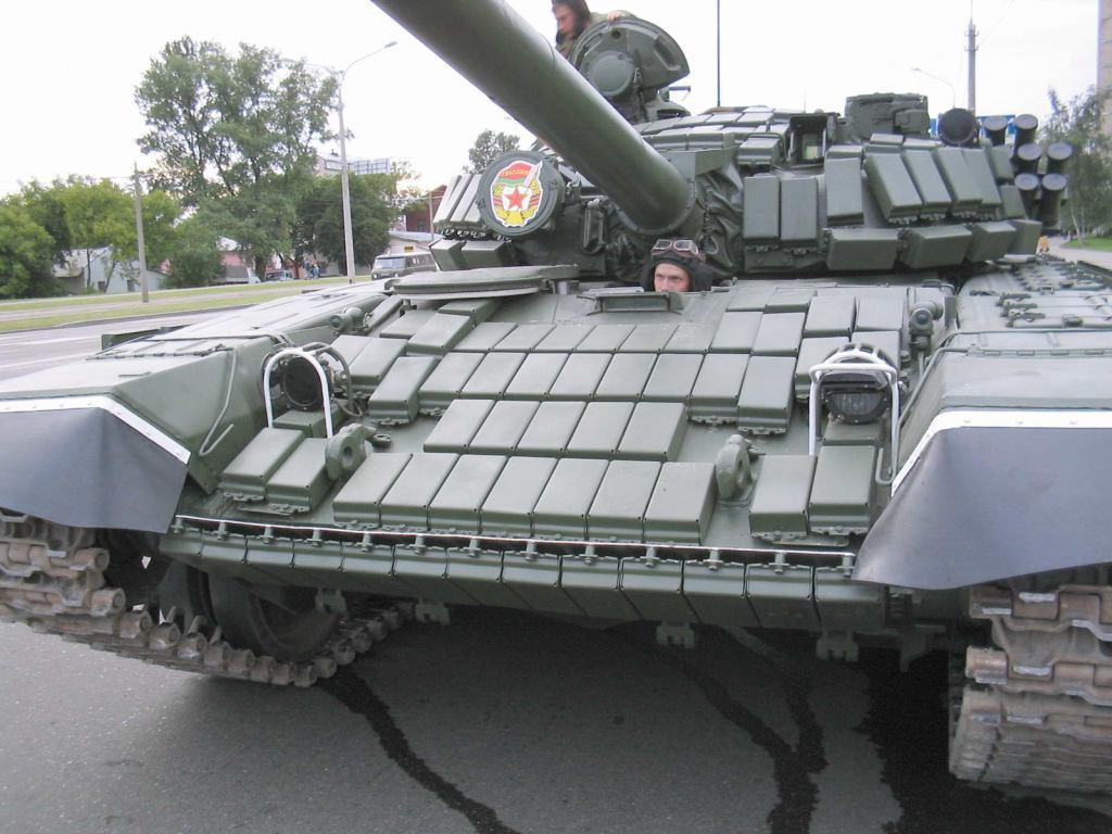 Armée Biélorusse / Armed Forces of Belarus T_72b_belarus_05