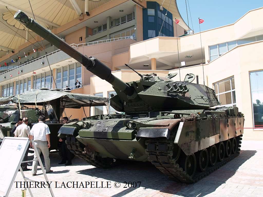 تركيا تسعى لتطوير دباباتها بلمسات إسرائيلية Idef_2007_m60t_01
