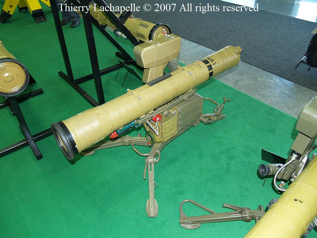 Russian Army ATGM Thread - Page 8 Idet_2007_at5_01