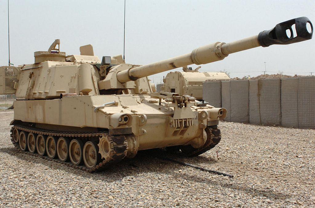 Colombia - BAE Systems participará con diversos modelos en el concurso de obuses 155 mm del Ejército de Colombia. M109a6paladin_07