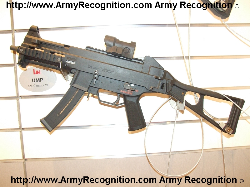 Pistolets-mitrailleurs : on n'en parle pas beaucoup ! HK_UMP_sub-machine_gun_Heckler_and_Koch_Milipol_2007_001
