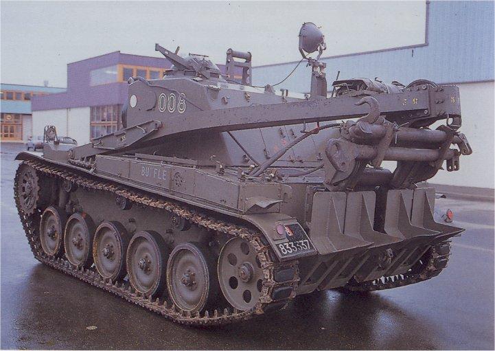 Vehiculo AMX VCI (AMX-13) - Página 3 AMX-13_Recovery_France_04
