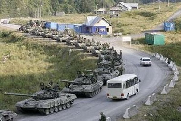 "Operação ""Espingarda da Paz"" Russian_soldiers_army_T-72BR_main_battle_tank_23082008_news_002"