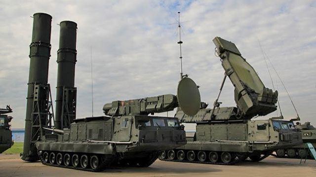 مصر تستعد للحصول على أقوى أنظمة الدفاع الجوي الروسية   S-300VM_Antey-2500_ground-to-air_defense_missile_system_Russia_Russian_army_defence_industry_military_technology_002