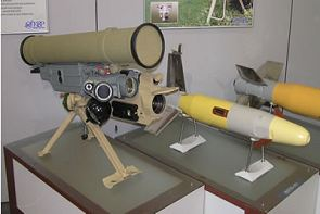 ANTITANQUES PERUANOS Kornet-e_9p163-1_launcher_anti-tank_guided_missile_system_Russia_Russian_KBP_right_side_view_001
