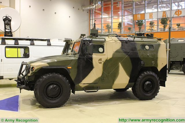 Russian Ground Forces: News #2 - Page 20 145BMA_Tigr_4x4_wheeled_command_post_armoured_vehicle_Russia_Russian_army_military_equipment_640_001