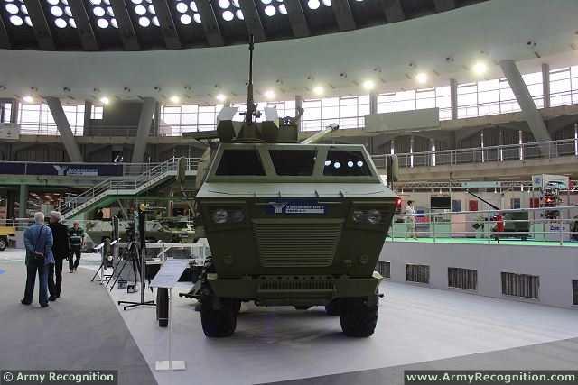 مدفعية الميدان المتحركة نورا M03_Nora_B-52_K-I_155mm_8x8_truck_mounted_artillery_system_howitzer_YugoImport_Serbia_Serbian_defense_industry_004