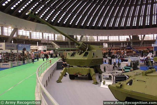 مدفعية الميدان المتحركة نورا Nora-B52_K1B_155mm_52_caliber_8x8_self-propelled_howitzer_YugoImport_Partner_2013_defence_exhibition_Belgrade_Serbia_002