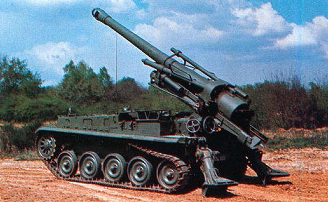 الجيش الملكي المغربي من الالف الى الياء Mk_F3_self-propelled_gun_howitzer_640