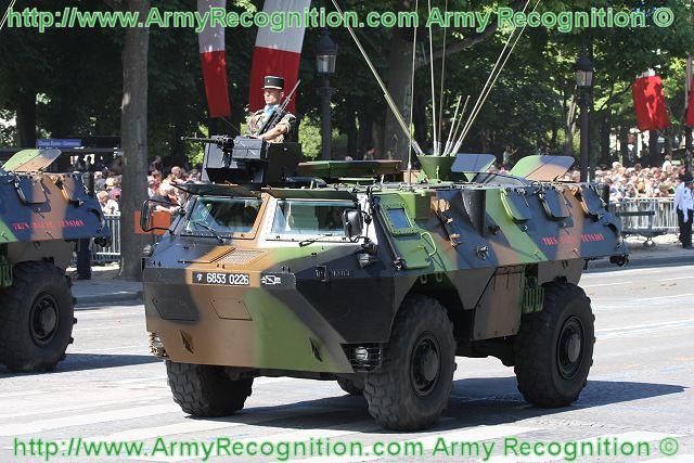 VAB BROMURE 1/35 SUR BASE HELLER 35e_regiment_infanterie_VAB_vobules_renault__frenh_army_parade_14_july_2009_France_bastille_national_day_001
