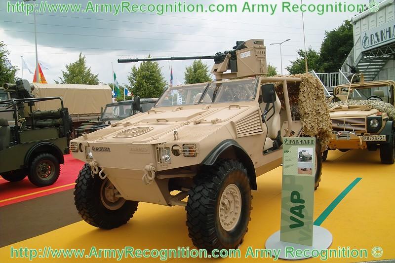 Desarrollo y ensamble de Vehículo todo terreno con Blindaje Ligero, DGIM SEDENA - Página 2 VAP_Panhard_Defense_Eurosatory_2008_ArmyRecognition_001