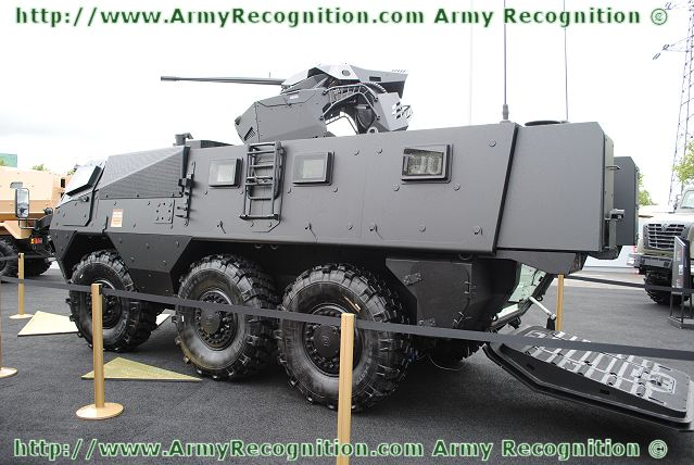صناعة الدفاع الفرنسيه تستعيد اسواقها ومكانتها  VAB_Mk3_armoured_personnel_carrier_Renault_Trucks_Defense_Eurosatory_2012_002