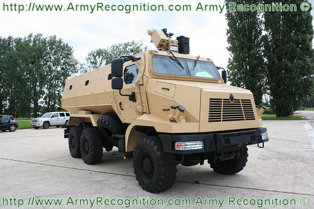 قطر تشترى 27 عربة  HGUARD_MRAP_Mine_Resistant_Ambush_Protected_wheeled_armoured_vehicle_Renault_Trucks_Defense_003