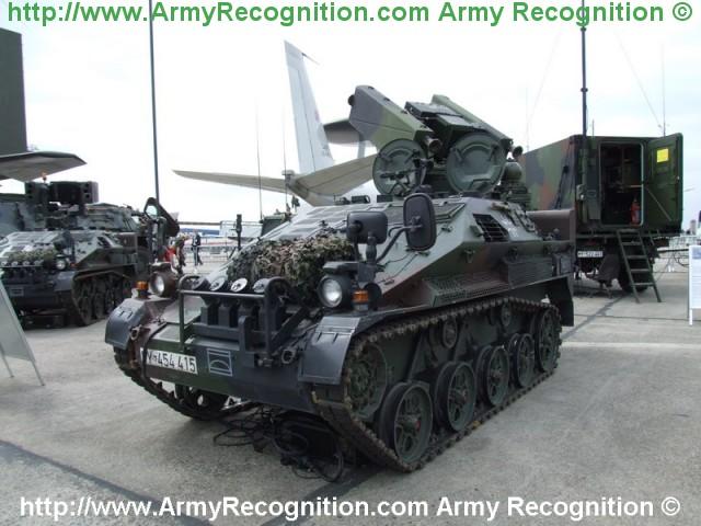 Armée Allemande (Bundeswehr) Wiesel_2_Ozelot_air_defence_missile_light_armoured_vehicle_line_Germany_German_Army_640