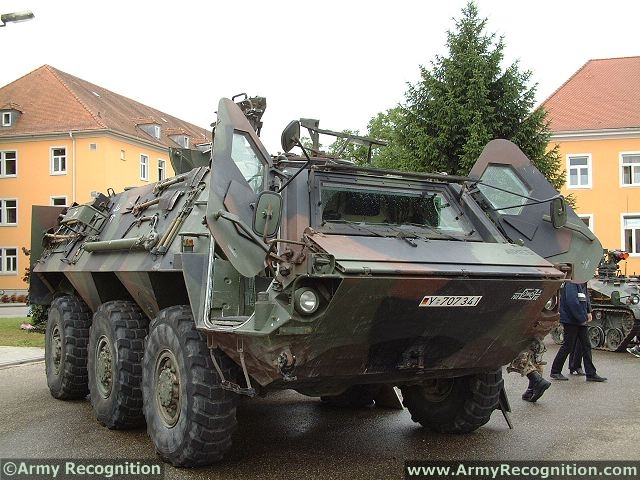 Armée Egyptienne/Egyptian Armed Forces - Page 4 Fuchs_Tpz_1_6x6_wheeled_armoured_vehicle_personnel_carrier_Rheinmetall_Germany_German_army_640_002