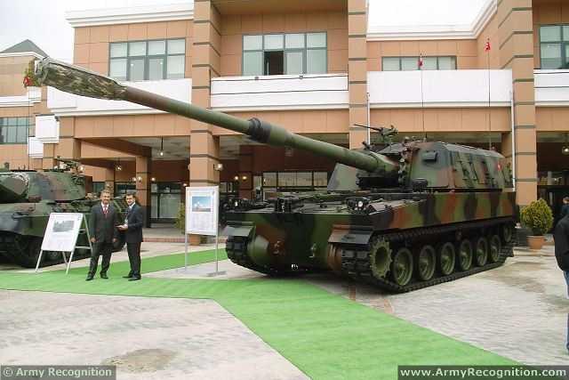 الهاوتزر التركي فيرتينا T-155_Firtina_155mm_tracked_self-propelled_howitzer_Turkey_Turkish_army_defence_industry_military_technology_001