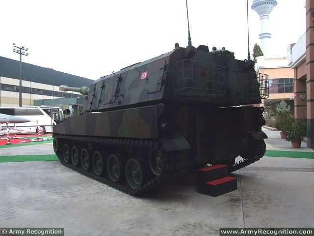 الهاوتزر التركي فيرتينا T-155_Firtina_155mm_tracked_self-propelled_howitzer_Turkey_Turkish_army_defence_industry_military_technology_010