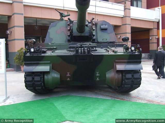 الهاوتزر التركي فيرتينا T-155_Firtina_155mm_tracked_self-propelled_howitzer_Turkey_Turkish_army_defence_industry_military_technology_012