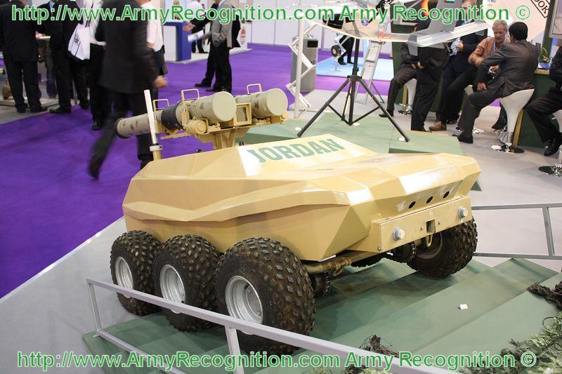 المغرب يطور طائراته العسكرية بمساعدة الصناعات الجوية الإسرائيلية - صفحة 2 UGV_unmanned_ground_vehicle_KADDB_Jordan_Jordanian_DSEI_2009_International_Defense_Exhibition_001
