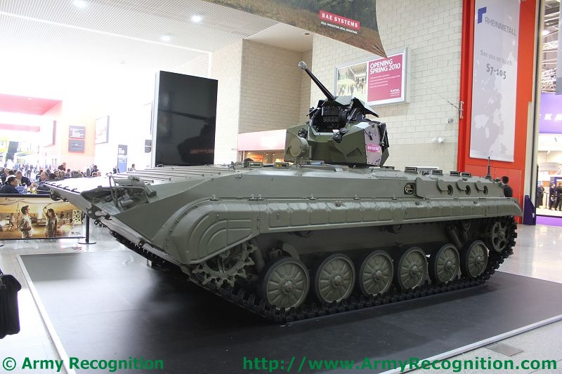 Meetings Internationaux - Page 5 BMP-1_with_new_BAE_Systems_turret_DSEI_2011_international_defence_security_equipment_exhibition_001
