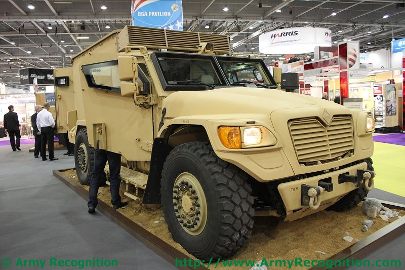 Meetings Internationaux - Page 5 Navistar_vehicle_DSEI_2011_international_defence_security_equipment_exhibition_001