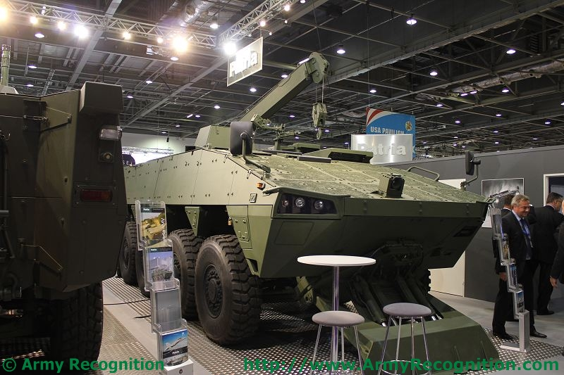 Meetings Internationaux - Page 5 Patria_AMV_ARV_DSEI_2011_international_defence_security_equipment_exhibition_001