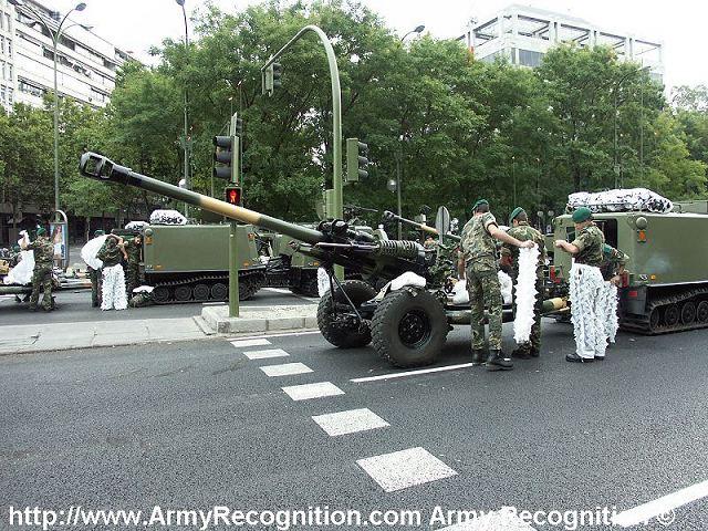 صور الجيش المغربي جديدة نوعا ما  - صفحة 2 Light_gun_105_mm_howitzer_artillery_British_army_United_Kingdom_640