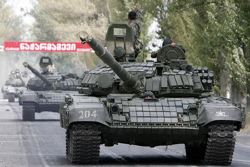 Armée Géorgienne - Page 2 T-72BV_main_battle_tank_Georgian_Army_Georgia_08082008_005