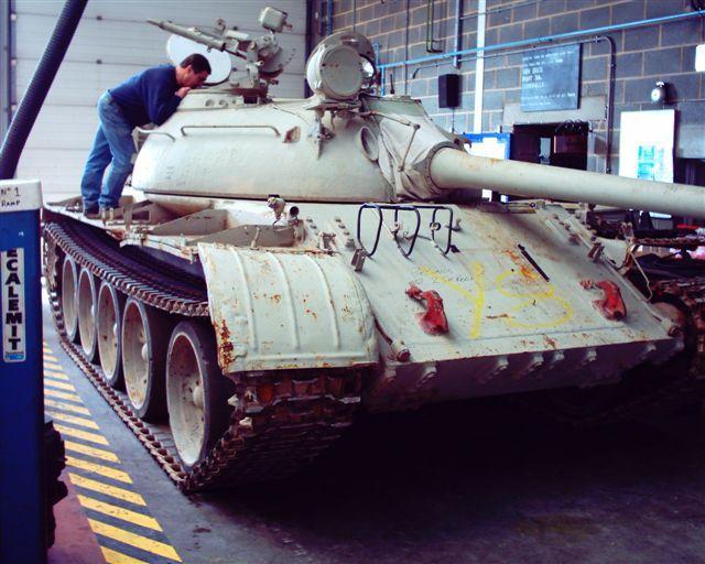الموسوعة الأكبر لصور و فيديوهات الجيش العراقي 2 - صفحة 2 T-55_main-battle_tank_iraqi_army_640
