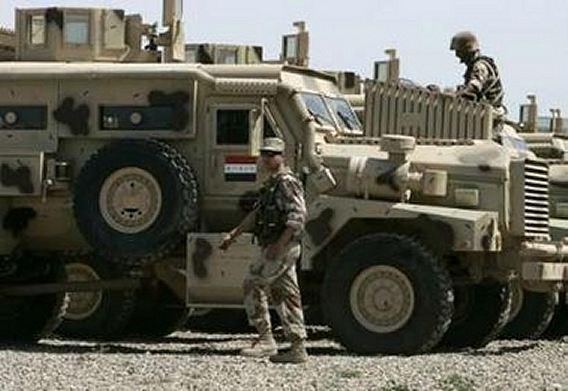 الموسوعة الأكبر لصور و فيديوهات الجيش العراقي 2 - صفحة 2 Iraqi_armoured_01042007_001