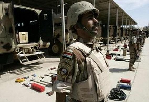 الموسوعة الأكبر لصور و فيديوهات الجيش العراقي 2 - صفحة 2 Iraqi_armoured_01042007_002