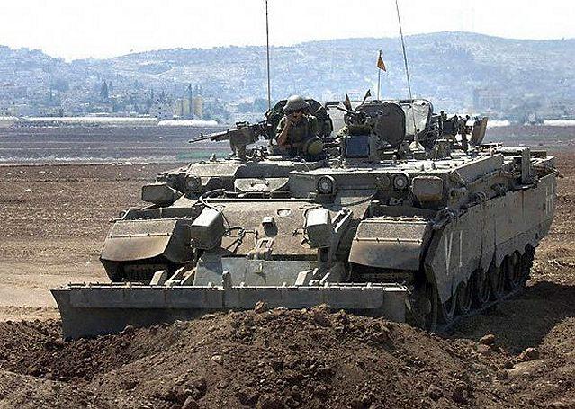 كيان الاحتلال الصهيوني Puma_engineer_tracked_armoured_vehicle_Israel_Israeli_army_640