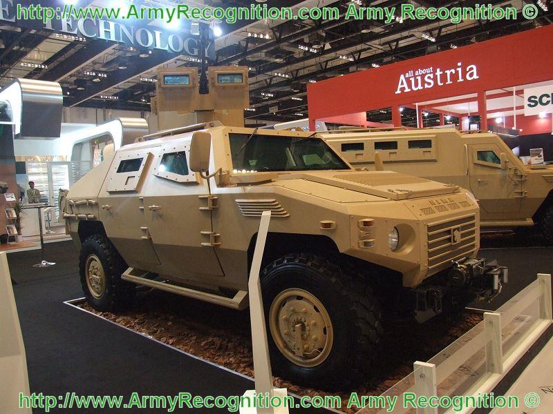 الجيش الموحد الخليجي فوائده وسلبياته  - صفحة 3 NIMR_wheeled_armoured_vehicle_personnel_carrier_Bin_Jabr_Group_United_Arab_Emirates_IDEX_2009_001