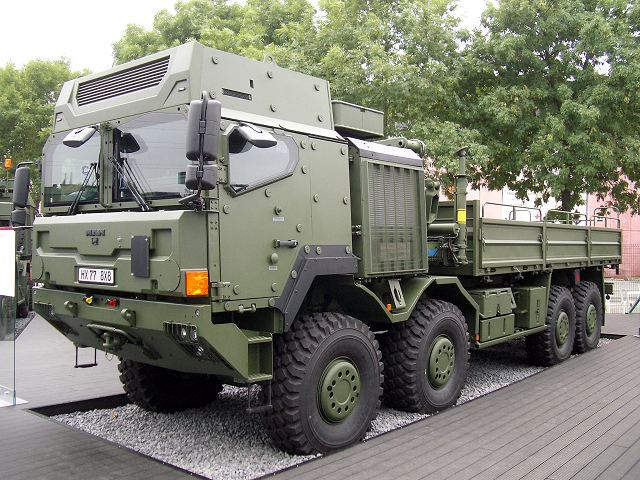 NOTICIAS VÁRIAS Rheinmetall_to_supply_Norway_with_new_military_trucks_for_logistics_use_HX_77_8x8_with_protected_cabin_640_001