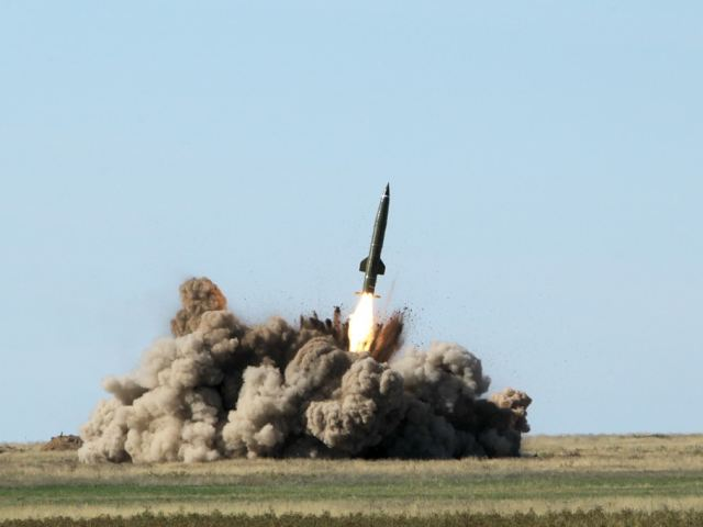 NEOPAX CORP. Two_Russian_missile_battalions_will_test_launch_Iskander-M_SS-26_tactical_ballistic_missiles_in_March_640_001