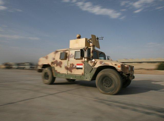 جميع صفقات عربات الهامفي العراقيه .......متجدد  - صفحة 2 160_M1151A1B1_HMMWV_to_be_delivered_to_Iraqi_Army_640_001
