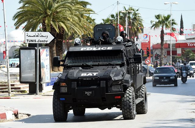 قريبا تسليم مدرعات للامن و الحرس الوطني التونسي من نوع تايفون - Anti-Terrorism_Brigade_BAT_unit_Tunisian_police_in_action_during_the_attack_of_Tunis_Bardo_museum_640_001