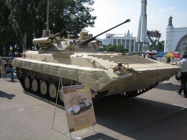 الجزائر تنشر 304 مدرعه BMP-2M مزوده بوحدات قتاليه نوع Berezhok Algeria_to_deploy_304_Russian_BMP_2M_fitted_with_Berezhok_combat_module_640_001