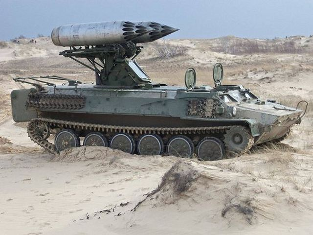 Ukrainian Ground Forces: - Page 3 Ukrainian_MLRS_rocket_launcher_system_based_on_SA-13_Gopher_using_S-8_rockets_pods_640_001