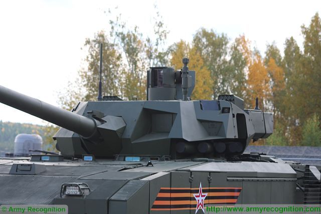 [Official] Armata Discussion thread #3 - Page 38 Russian-made_main_battle_tank_T-14_Armata_protected_with_new_generation_of_ERA_armor_640_002