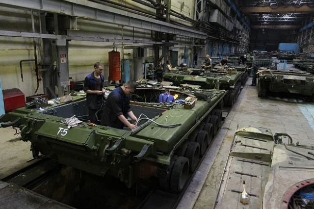 industrie d'armement russe  - Page 6 Russia_will_allocate_25-5_billion_dollars_for_local_defense_industry_development_program_640_001